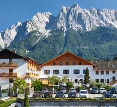 Romantik Alpenhotel Waxenstein 1