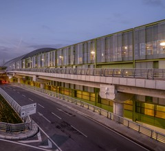 Tav Airport Hotel Izmir 2