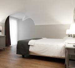 Hotel De Ville 1