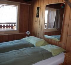 Ferienwohnung Cavegn-Fry, (Rueras/Sedrun). 652.01 Ferienwohnung mit Badwanne/WC für max. 9 Personen 1