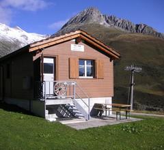Tgèsa Alpina Müller, (Rueras/Sedrun). 956.01 Ferienhaus mit Dusche/WC für max. 8 Personen 1