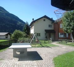 Ferienhaus Hauer, (Disentis/Mustér). 1015 Ferienhaus mit Bad/Dusche/WC für max. 10 Personen 2