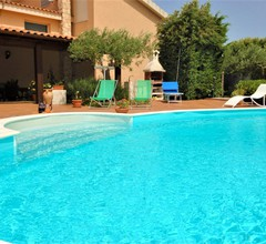 Charming Holiday Home in Buseto Palizzolo with Pool 2