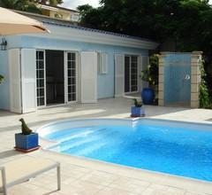 Luxuriöses Poolhaus mit Traumblick auf Meer, offener Wohn-/Essbereich 2