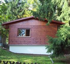 Ferienhaus mit Garten am Wald 1