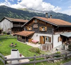 Ferienhaus Cresta in Conters, (Conters). 9.5 - Zimmerhaus für 19 - 22 Personen, 270qm 1