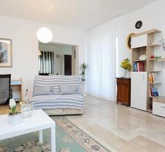 1-Zimmer-Ferienwohnung mit Terrasse und Meerblick Postira, Brac (A-2913-c) 1