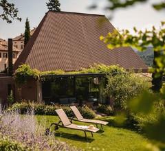 Designvilla im Weindorf Kaltern am See, mit Freischwimmbad, Whirlpool, Sauna und großem Garten zur Alleinnutzung 1