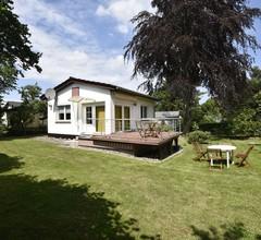 Ruhiges Ferienhaus in Steffenshagen mit großem Garten 2