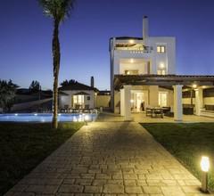 Geräumige Villa mit eigenem Pool in Gennadi 1