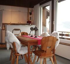 Casa Mulinatsch, (Rueras/Sedrun). 670.02 Ferienwohnung mit Bad/Dusche/WC für max. 6 Personen 1