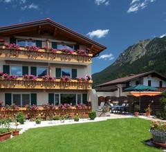 Alpenflair Ferienwohnungen Gästehaus Tepferdt 2