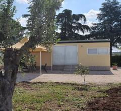 Bungalow mit einem Schlafzimmer in Lizzano mit Pool und W-LAN - 6 km vom Strand entfernt 2