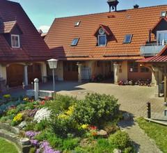Ferienanlage Karolinenhof (Haundorf). Ferienhaus B mit großem Balkon 2