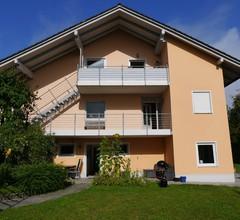 FeWo KeDo (Neukirchen vorm Wald). Ferienwohnung (90qm) mit moderner, geräumiger Wohnküche 2