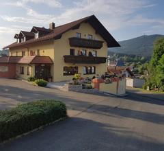 Pension/Ferienwohnungen Ludwig (Rimbach). Ferienwohnung 80qm mit Terrasse und Blick in die Natur 1