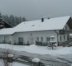 Ferienhaus Wellisch (Lohberg). FeWo 1, Fichte, 100 qm mit Wohnzimmer 1