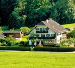 Haus Badschneider (DE Anger). Ferienwohnung 50qm, DG,TV und Balkon, Seenähe, 4 Sterne, 4 Pers 2