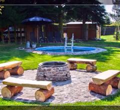 Ferienhaus mit Pool in zentraler ruhiger Lage 2