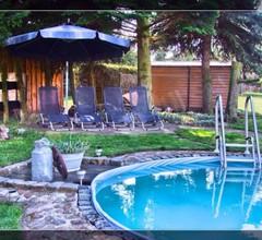 Ferienhaus mit Pool in zentraler ruhiger Lage 1