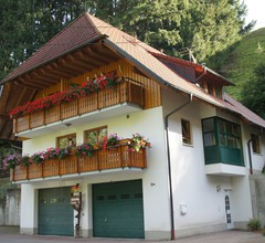 Steinmühle, (Horben). Ferienwohnung Spitzwegerich 50qm, 1 Schlafzimmer, 1 Wohn/Schlafzimmer max. 3 Personen 2