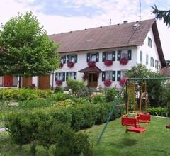Ferien- und Obsthof Müller, (Frickingen). Ferienwohnung Nr. 1, 56 qm, Garten, 2 Schlafzimmer, max. 4 Personen 2