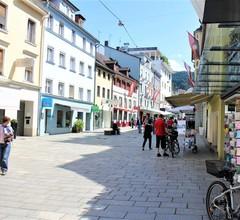 Bed and Breakfast Sonne, (Bregenz). Dreibettzimmer mit Dusche und WC 2