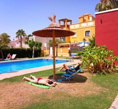 Ideales Paar, kleines Haus mit Terrasse, Grill und Bereich Pool 2