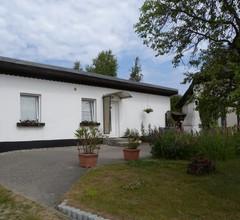 Ferienhaus mit Grillterrasse, an der Granitz 1