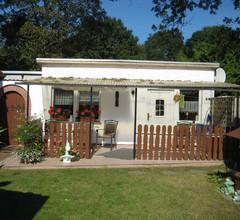Bungalow mit Terrasse und Grill 1
