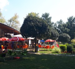 Ferienhaus hinta, grill és pavilon 1