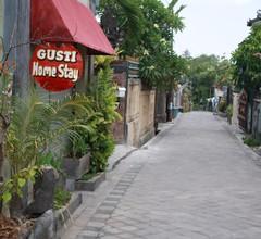 Gusti Hostel 1