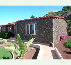 Ferienhaus mit tollem Garten - F0184 1