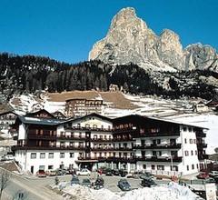 Hotel Miramonti Corvara 1