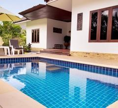 Villa mit privatem Pool in Banburi 1