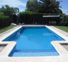 Modernes Ferienhaus in St. Jaume d'Enveja mit eigenem Pool 2
