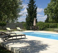 Gemütliche Villa mit Swimmingpool in Sorgues 1