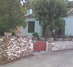 Kleines Haus am Berg 2