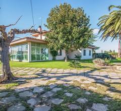 Wunderschönes Ferienhaus mit Swimmingpool in Viladamat 2