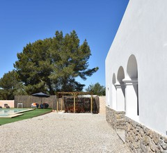 Geräumiges Ferienhaus in San Rafael mit Swimmingpool 2