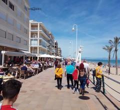 Wohnung mit großer Terrasse mit Blick auf den Strand in der ersten Reihe 2
