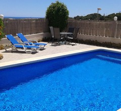Brandneue, dreistöckige Luxusvilla mit eigenem Pool 1