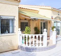 Luxus-freistehende Villa in der Nähe von Annehmlichkeiten, WIFI, Sat-TV, Klimaanlage 2