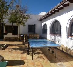 Atemberaubende Villa. Total privater Sun Trap Garden mit fantastischer Aussicht 1