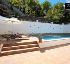 """""""Mas Blanc"""": wunderschöne mittelmeerische Villa im Bcn mit Garten und Schwimmbad. Für Barcelona entdecken mal ganz anders 2"""
