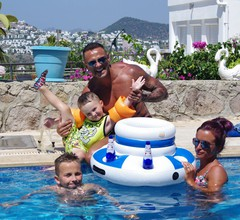 Hervorragend ausgestattet, Villa mit Bar, eigener Pool- und Meerblick, WLAN 2