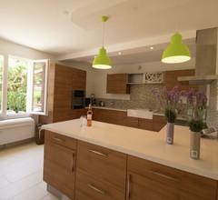 Gemütliches Ferienhaus mit Garten in Sorgues 2