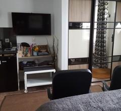 Ein gemütliches Studio-Apartment in idyllischer Lage am Ufer des Flusses Tweed 1