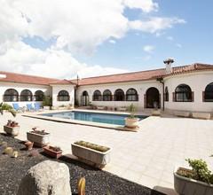 Charmantes Ferienhaus in San Isidro mit Pool 1