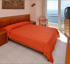 Apartment Llaverias-Calafats 171 2